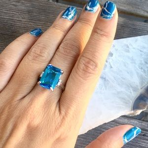Jewelry - (HOST PICK) 🆕 EMERALD CUT AQUAMARINE RING